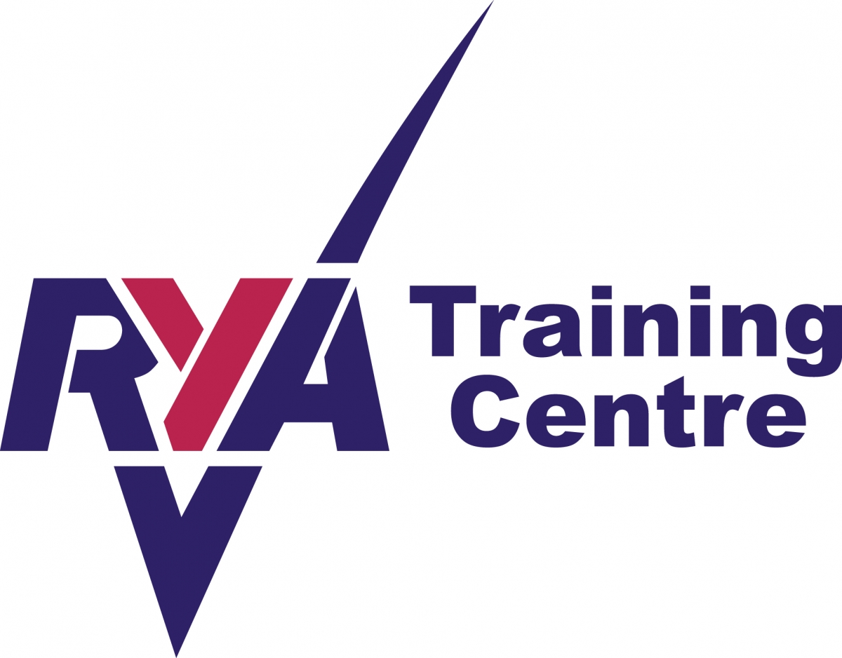 Tamesis runs first RYA sail training