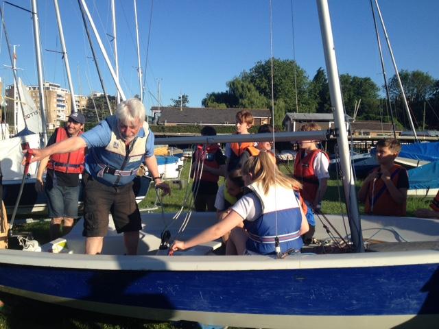 Teddington Scouts visit Tamesis for boat training